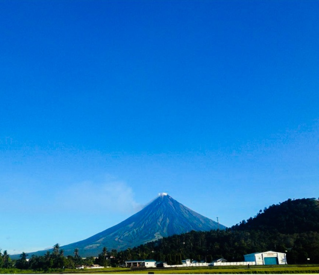 mount mayon_edited_edited.jpg